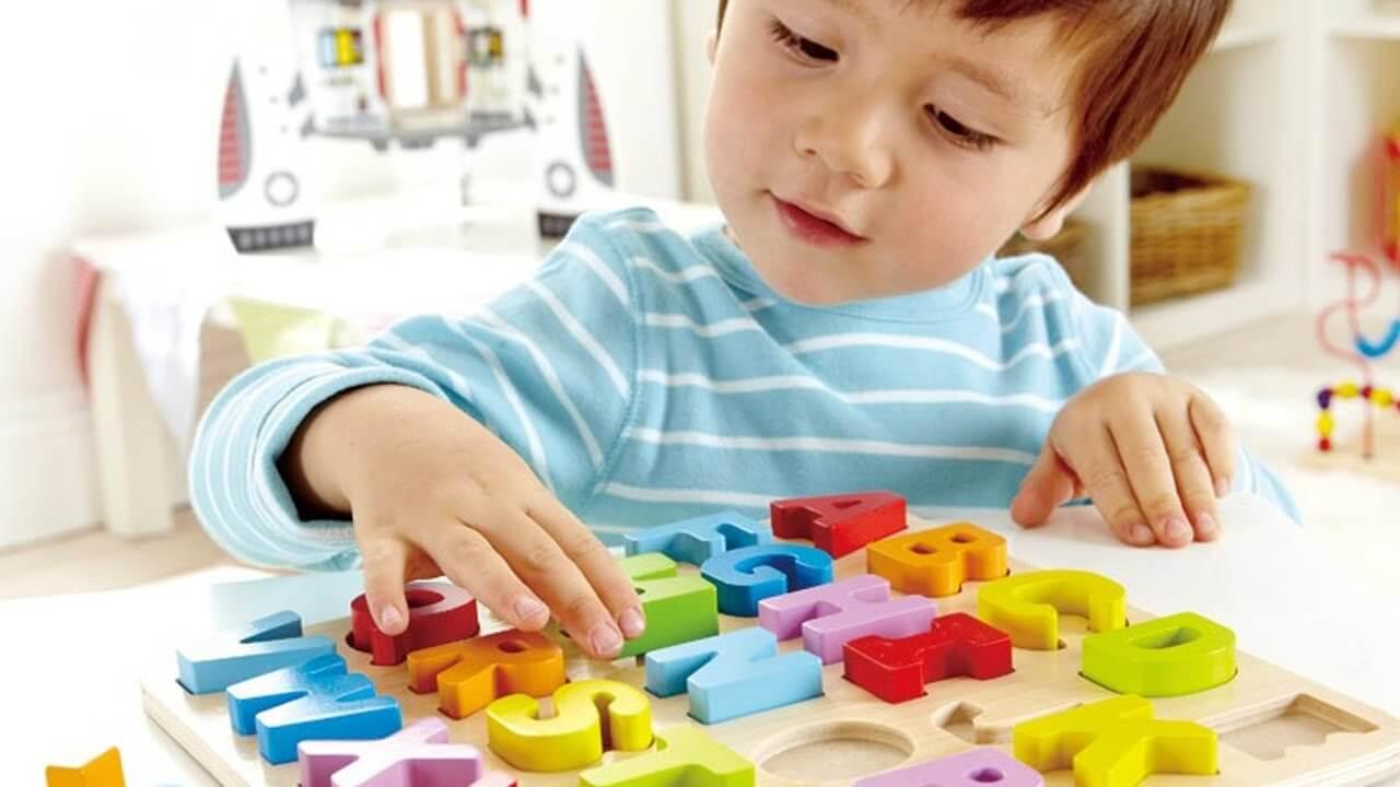 خرید اسباب بازی توسط والدین